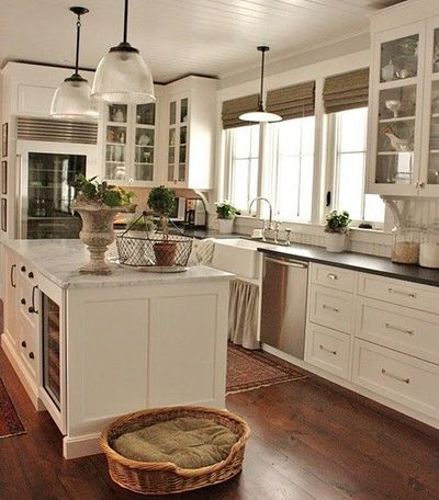 Farmhouse Sink White Cabinets : wood floors, white cabinets, handles, farmhouse sink = LOVE and grass ...