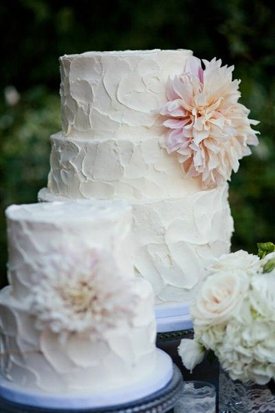 Love This Look With The Homemade Rough Icing Technique Per Wedding Cakes