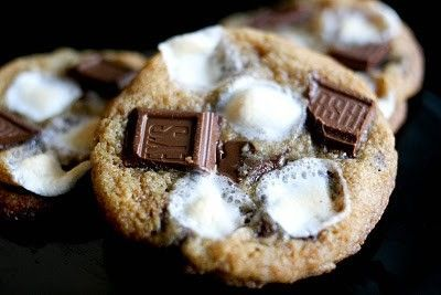 Smores Cookies. Heavenly.
