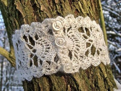 How to Make a Crocheted Ring Bracelet - CraftStylish