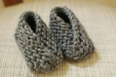 Baby Booties Pattern Knitting Easy : Super cute and easy knit baby booties. / knits and kits - Juxtapost