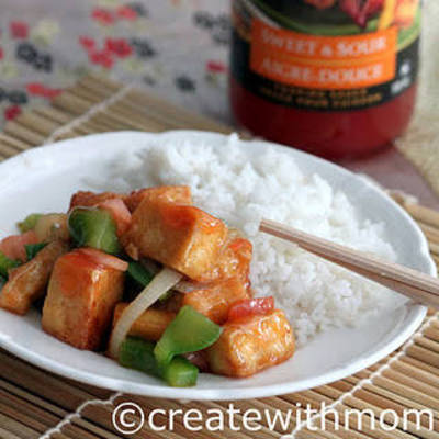 Create with mom: Tofu stir fried with Chinese cuisine inspired VH sauces