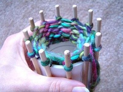 From spool knitting to loom knitting, make your own