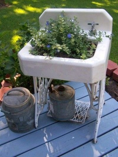 old sink and sewing machine base for outdoor flowers - cute! By Cherry Hill Cottage cute cute cute
