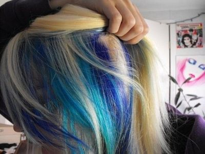 try electric blue and fish bowl blue from special effects