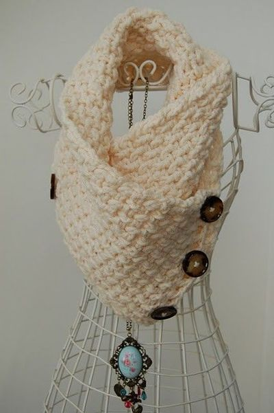 Free Pattern Crochet Neck Warmer : Free Crochet Lattice Neck Warmer Pattern. / crochet ideas ...