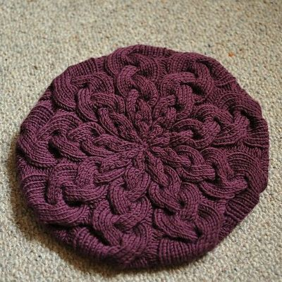 Free Knitting Patterns For Berets : Nine Dwindling Cables - free pattern for knit beret / Knits and stitch - Juxt...