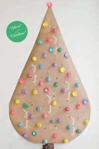 © 2011 Viviane Perenyi Crafted Christmas Tree from atdownunder.com