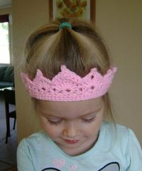 Free Crochet Crown Pattern. For queensday!