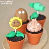 Plants vs. Zombies Cupcakes and Dinner
