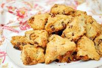 Chocolate Chip & Butterscotch Scone Bites: Chockful of chocolate chips, butterscotch chips and chopped walnuts, I can enjoy {delicious!} gluten...[read more at Food Frenzy]