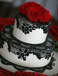 Black, White and Red Wedding Cake -