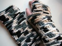 fingerless mittens (and a free pattern!)