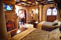 I wanna stay in Cinderellas Castle suite at Disneyworld