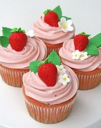 beautiful strawberry cupcakes