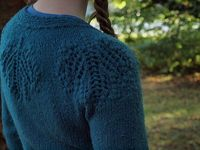 Perfect sweater to knit for my mama :)