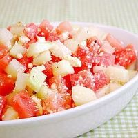 Watermelon & Cucumber Salad: Sweet watermelon cubes join up with cool diced cucumber which are tossed in fresh lime juice, olive ...[read more at Food Frenzy]