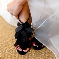 Love these for a black and white wedding